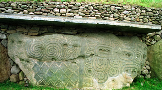 FT5S-Newgrange-celtic-symbols