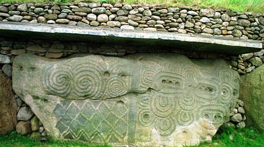 FT5S-Newgrange-celtic-symbols